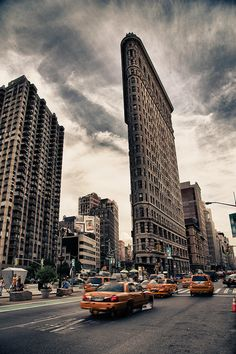 The Flatiron Building, New York.going to New York Great Places, Places To See, Amazing Places, New York City, Le Cap, Flatiron Building, Nyc, New York Photos, Belle Villa