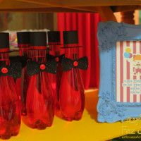 garrafa-de-água-vermelha-circo