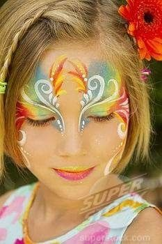 Face painting examples are very useful in the art of face painting. One of the greatest things about face painting examples, is that there are many reference Girl Face Painting, Face Painting Designs, Painting For Kids, Face Paintings, Princess Face Painting, Hippie Make Up, Kids Makeup, Cool Face, Fairy Makeup