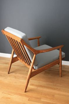 Danish lounge chair with nicely sculptured arms