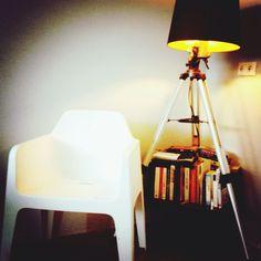 #pedral #lamp #books Tripod Lamp, Shots, Home Decor, Decoration Home, Room Decor, Home Interior Design, Home Decoration, Interior Design