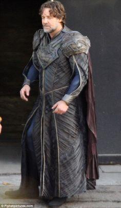 Russell Crowe en el papel de Jor-El para la nueva película de Superman (Man of Steel - 2013)