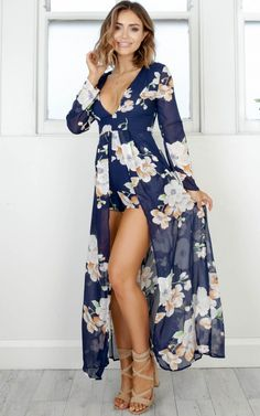 Women's Fashion Tips 23 Lovely Floral Dresses Designs For The Summertime.Women's Fashion Tips 23 Lovely Floral Dresses Designs For The Summertime Sexy Dresses, Beautiful Dresses, Casual Dresses, Casual Outfits, Summer Outfits, Fashion Dresses, Cute Outfits, Summer Dresses, Floral Dresses