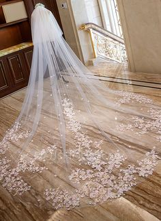 DressilyMe Bridal Dresses Online,Wedding Dresses Ball Gown, n stock gorgeous tulle cathedral wedding veil with lace appliques comb Lace Bridal, Lace Wedding Dress, Dream Wedding Dresses, Bridal Henna, Dress Lace, Bridal Gown, Bridal Dresses, Wedding Veils With Hair Down, Long Wedding Veils