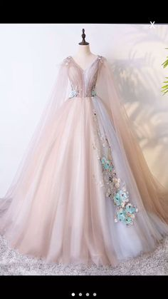 Champagne tulle V neckline long evening dress long lace applique senior ball gown - Evening Dresses Ball Dresses, Evening Dresses, Formal Dresses, 15 Dresses, Dresses With Capes, Elegant Dresses, Vintage Dresses, Debut Dresses, Dresses Art