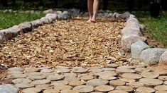 Bose, Firewood, Stepping Stones, Paths, Garden Sculpture, Outdoor Decor, Wood Ideas, Barefoot, Woodburning