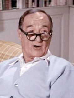"""George Tobias - character actor best known for his role as Abner Kravitz , the Steven's neighbor in the TV show """"Bewitched"""". He died on Feb 27, 1980 at the age of 78"""