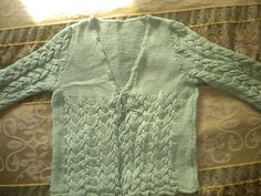 Ravelry: Ritzyknitz's Cabled Cardi