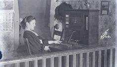 A really interesting look at a woman working a telephone switchboard from 1906 in Aztec, NM. New Mexico History, Santa Fe Trail, New Mexico Usa, Land Of Enchantment, Historical Pictures, Telephone, Old And New, Old Photos, Aztec