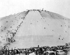 Came across these photos of a sport I had never heard/seen before – sand skiing. Taken in Fort Meade, Florida in December these images are a good example of people making do with what t… Florida In December, Sebring Florida, Fort Meade, Ocean Projects, Stonewall Jackson, Vintage Year, Old Florida, Back In The Day, Old Town
