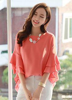 Romantic & Trendy Looks, Styleonme Blouse Styles, Blouse Designs, Modest Fashion, Fashion Dresses, Women's Fashion, Evening Blouses, Stylish Sarees, Cute Blouses, Indian Designer Outfits