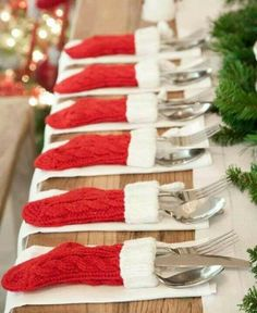 Stocking cutlery holders / place settings