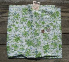 vintage cotton floral fabric over 1 yard 44 by rivertownsupplies
