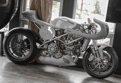 #ButtonBuilt #ButtonBunker #Ducati #CafeGP by button_built http://ift.tt/24x89Nz