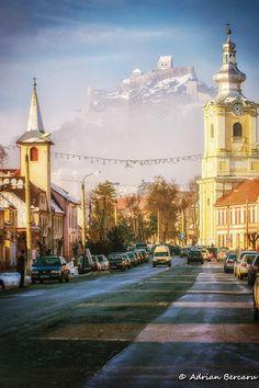 Cetatea Rupea Foto: Adrian Bercaru  #romanialive #romania #cetate #peisaje #cetatearupea #brasov Very Beautiful Images, Moldova, Beautiful Landscapes, Taj Mahal, Cities, Country, World, Building, Places
