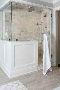Rustic farmhouse bathroom ideas with shower 18
