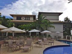 Apartamento beira-mar na vila da Praia do Forte. Condomínio na melhor localização de praia do forte entre a vila e a praia