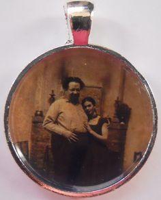 Frida Kahlo & Diego Rivera Pendant by afropuffed1 on Etsy, $6.00