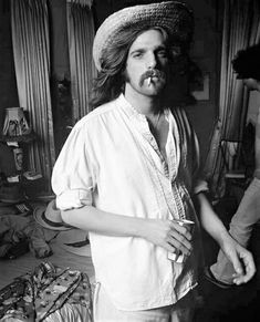 """""""Don't hurt yourself, young America."""" — I love finding Eagles photos that I've never seen. Rock And Roll Bands, Rock N Roll, Great Bands, Cool Bands, Glen Frey, Randy Meisner, Rock & Pop, Eagles Band, Love Me Better"""