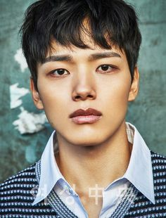 Flower Boy Face Off: My Sassy Girl's Joo Won vs. Circle Two Worlds Connected's Yeo Jin Goo - YJG hands down