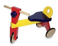 Dreirad. Ein belastbares Dreirad aus bunt lackiertem Buchenholz bringt Kinder in Bewegung! ca. 51 x 36 cm