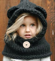 Hand knitting stuff for little girl, so cute, love it.
