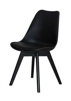 Jerry spisestuestol - Smuk og veldesignet skalstol til spisestuen med flot sort PU-læder sæde og stel i sort lakeret eg. Stolen har naturlige og bløde runde former, som er yderst behagelige at sidde i og kan med fordel kombineres med en af de øvrige smukke farver, for et mere personligt udtryk. Sælges i sæt á 2 stk.