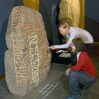 In the new exhibition the rune stones have learned to speak (zoom)