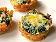 Mini Crab, Spinach, and Mushroom Tarts Oh my. spinach and in a single Mini Crab, Spinach, and Mushroom Tarts Finger Food Appetizers, Yummy Appetizers, Appetizers For Party, Seafood Appetizers, Crab Appetizer, Seafood Platter, Antipasto Platter, Christmas Appetizers, Gastronomia