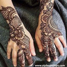 Mehndi is one of the most important. It is a loved one and never gets old designs. There is a lot of verity of latest mehndi designs for you. Henna Hand Designs, Simple Arabic Mehndi Designs, Indian Mehndi Designs, Mehndi Designs 2018, Mehndi Designs For Girls, Mehndi Simple, Beautiful Mehndi Design, Bridal Mehndi Designs, Henna Tattoo Designs
