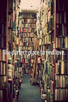 The book nerd inside me couldn't resist ;-) I love reading Book Of Life, The Book, I Love Books, Books To Read, Barnes And Noble Books, Michel De Montaigne, World Of Books, Retro Humor, I Love Reading