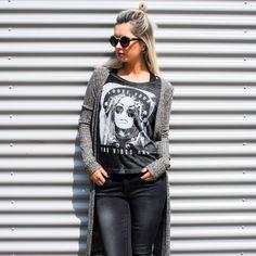T-shirt Elacey voor Dames. Zwart . Bestel online bij Coolcat.