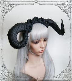 Coiffe de démon noir Roses Goth fantaisie casque