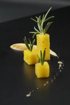 Pepper Pineapple, Rosemary Sabayon