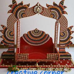 Ganpati Decoration Design, Kalash Decoration, Mandir Decoration, Thali Decoration Ideas, Diwali Decorations, Indian Wedding Centerpieces, Peacock Embroidery Designs, Janmashtami Decoration, Acrylic Rangoli
