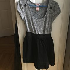 Candies Grey and Black Dress Super comfy grey too attached to super bouncy black skirt with elastic waist. All one piece. Sits mid thigh. Worn twice. Candie's Dresses
