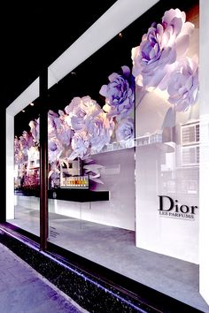 Harrods chelsea flower show Dior window london 2015 paper flower popout book over sized les parfums book with wall mounted paper flowers 57