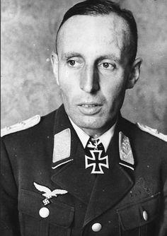 Oberstleutnant Friedrich August Freiherr von der Heydte --- Kommandeur Fallschirmjäger Regiment 6.- http://www.das-ritterkreuz.de/index_search_db.php4?modul=search_result_det&wert1=2389&searchword=heydte