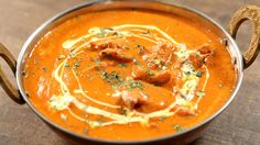 Learn how to make Butter Chicken, an heavenly chicken gravy recipe by Chef Varun Inamdar. Butter Chicken is probably one of the most popular Indian chicken recipes liked by all & hence chef Varun Inamdar brings Chicken Butter Masala, Indian Butter Chicken, Chicken Tikka Masala, Chicken Curry, Chicken Gravy, Chicken Spices, Recipe Chicken, Garam Masala, Poulet Tikka Masala
