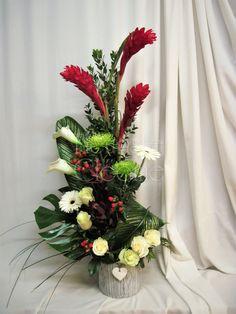 Corbeille funéraire www.fleuristecleome.com Arrangements Funéraires, Floral Wreath, Wreaths, Table Decorations, Home Decor, Home, Floral Design, Floral Arrangements, Flowers