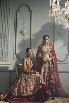 Beautiful Indian Bridal lehenga by Tarun Tahiliani.