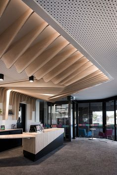 Local Australian Architecture And Interior Design Cobram Library And Learning Center By Cohenleigh Architects 8 Design Entrée, Lobby Design, Design Hotel, Design Ideas, House Design, Design Concepts, Interior Ceiling Design, Lobby Interior, Office Interior Design