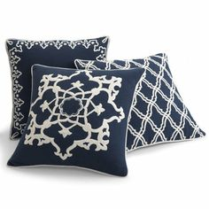Medallion Dori Throw Pillow $42 Gorgeous Navy & white pillows. If I decorated with these colors I'd snatch them up!