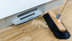 Under-furniture Vacuum Cleaner; Hiermee kun je je rommel wérkelijk onder 'het kleed' vegen.