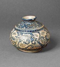Spittoon, Iran, Mashhad, 17th century. Fritware, underglaze painted