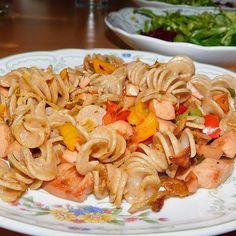 Pasta Salad, Ethnic Recipes, Food, Other Recipes, Food Ideas, Browning, Food Portions, Crab Pasta Salad, Essen