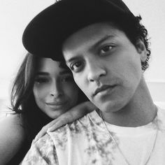 Bruno Mars' Grammys night also doubled as a date night with his longtime girlfriend, Jessica Caban. What do we know about Jessica Caban? And how long have she and Bruno been together? Bruno Mars Jessica Caban, Bruno Mars Grammys, Mars Pictures, Hey Gorgeous, Pop Rock, Perfect Boy, Celebs, Celebrities, Celebrity Couples