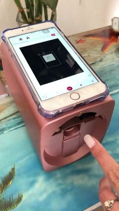 Erstaunlicher Nageldrucker - Diy Home Beeindruckender Nageldrucker - Make Up Amazing Nail Printer - Home Technology Ideas I want this for my nails. Nail Painter done with phone Cute Nails, Pretty Nails, Hair And Nails, My Nails, Crazy Nails, Nail Art Printer, Cool Inventions, Tips Belleza, Nails Inspiration