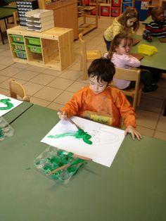 """Welkom in ons kleuterklasje! : Thema: """"De wereld van de Dinosaurussen!! """" - dino's schilderen met mengsel verf, lijm en zand"""
