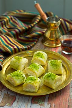 Halawet-al-jebn - my very favorite dessert Algerian Recipes, Lebanese Recipes, Algerian Food, Lebanese Cuisine, Arabic Dessert, Arabic Food, Arabic Sweets, Sweets Recipes, Cooking Recipes